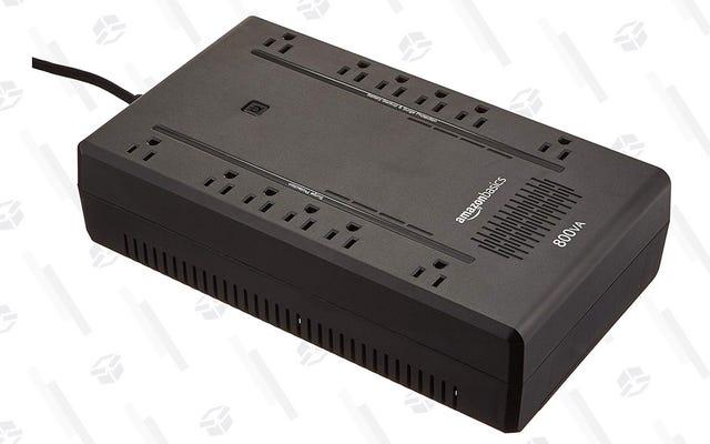이 AmazonBasics UPS 배터리 백업으로 필수 장비의 전원을 켜두십시오.