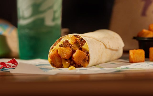 Addicted to Spuds: Taco Bell ramène Beefy Potato-rito