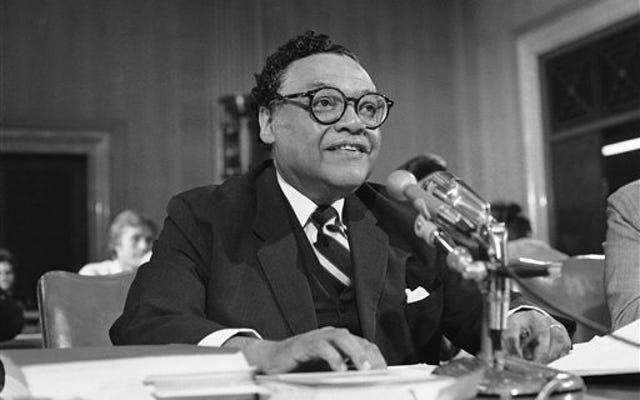 ブリリアントリーガルパイオニアで影響力のある黒人共和党員ウィリアムT.コールマンが96歳で死去
