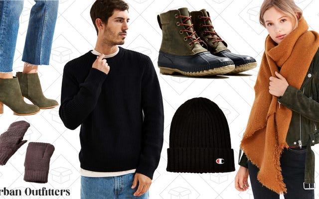 मूल रूप से आप जो कुछ भी सर्दियों के लिए पहनते हैं वह शहरी आउटफिटर्स पर बिक्री पर है