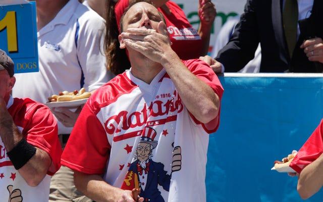 Perayaan rakus Amerika telah kembali, dan Anda tidak akan bisa berpaling