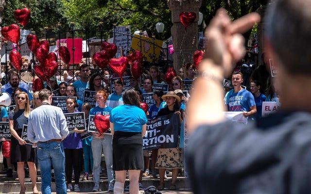 Sonia Sotomayor, Yüksek Mahkemeyi Kürtaj Yasasında 'Başları Kuma Gömmek' İçin Eleştirdi