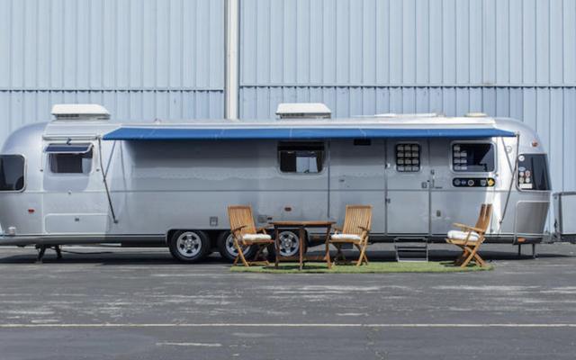 Airstream bien-aimé de Tom Hanks se dirige vers les enchères