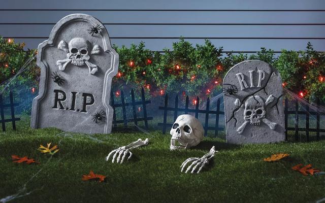 Économisez 10 $ lorsque vous dépensez 50 $ ou plus en costumes et décorations d'Halloween