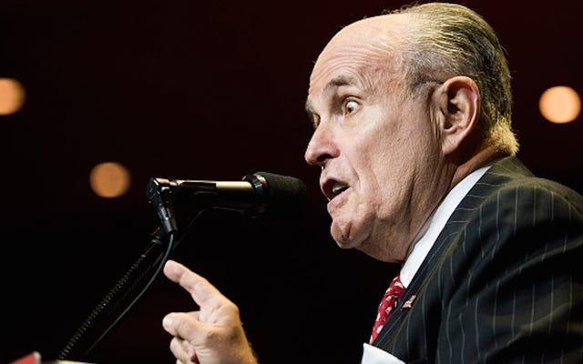 Rudy Giuliani preoccupato per i morti che votano per Hillary Clinton