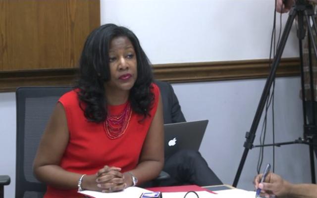 อัตตาชายผิวดำจมเวทมนตร์หญิงผิวดำในการเลือกตั้งเซนต์หลุยส์: Tishaura Jones แพ้การแข่งขันของนายกเทศมนตรีโดย 888 โหวต