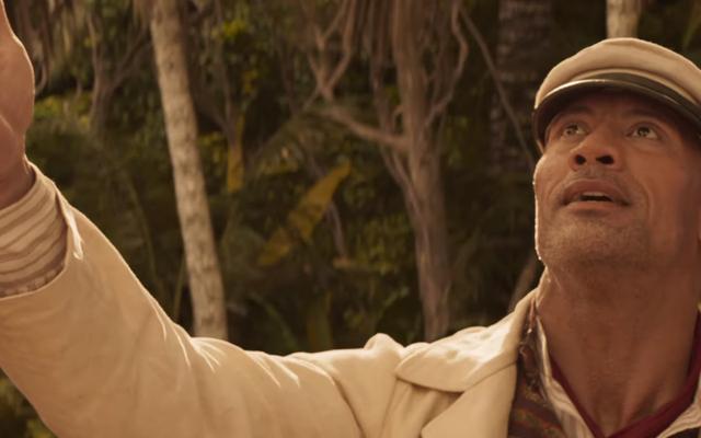 ディズニーのジャングルクルーズの最初の予告編では、ロックはクエストの詐欺師スキッパーです