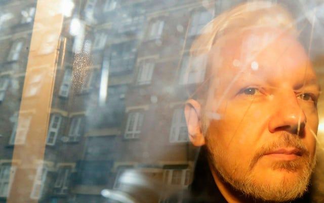 La Suède abandonne l'enquête sur une allégation de viol contre Julian Assange