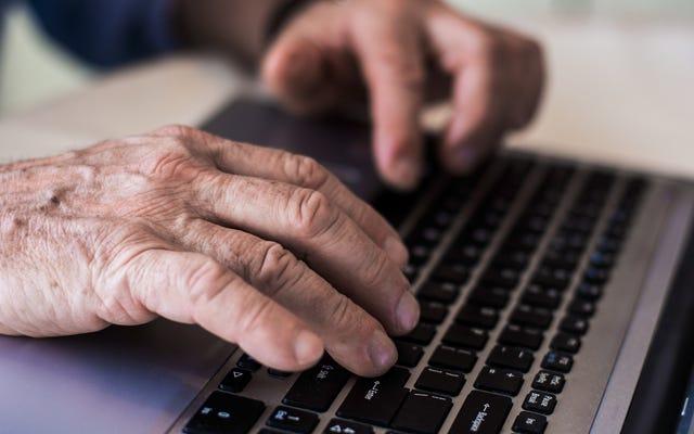 オンラインデート詐欺からあなたの両親を保護する方法