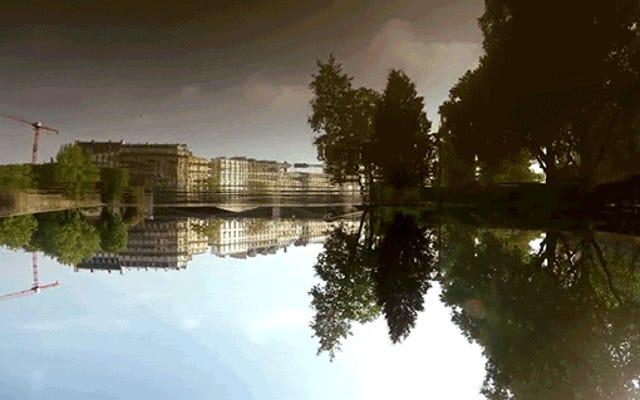 パリの洪水のこの逆さまのビデオは、あなたが水中にいるように見せます