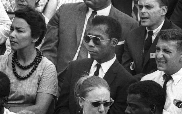 I Am Not Your Negroは、放棄されたJamesBaldwinの本を素晴らしいドキュメントに変えます