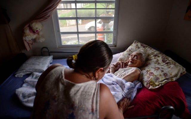 伝えられるところによると、50万人を超えるプエルトリコの電力顧客は依然として電気がない
