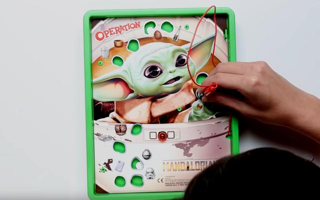 Il gioco Operazione a tema mandaloriano perde un'occasione d'oro per consentire ai fan di sezionare Baby Yoda