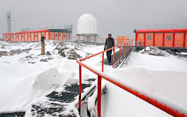42 Peneliti Terdampar di Antartika Setelah Icebreaker Hancur