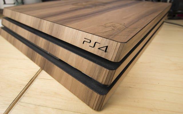 Owijanie mojego PlayStation 4 w drewno