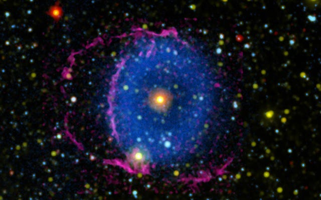 輝く宇宙の謎「目」がついに解き明かされる