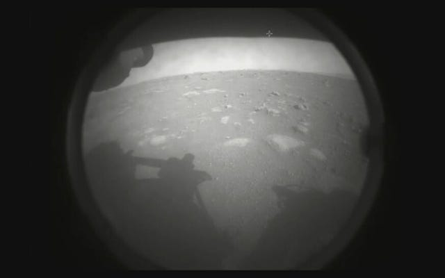 Вот первые изображения Марса, сделанные марсоходом НАСА Perseverance