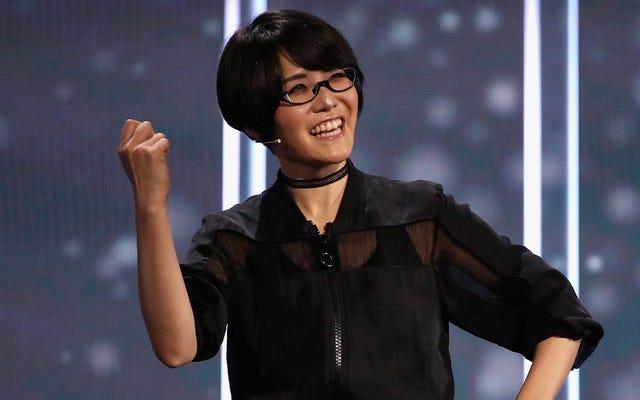 Ikumi Nakamura nói về studio mới của cô ấy khi khám phá các tòa nhà ma quái