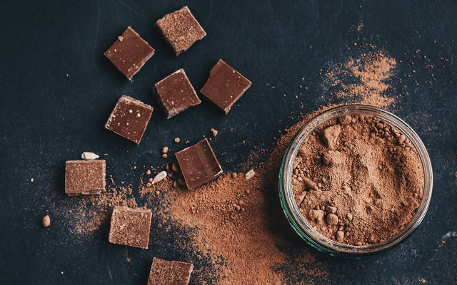 緑茶とダークチョコレートはSARS-CoV-2ウイルスを弱める可能性があります