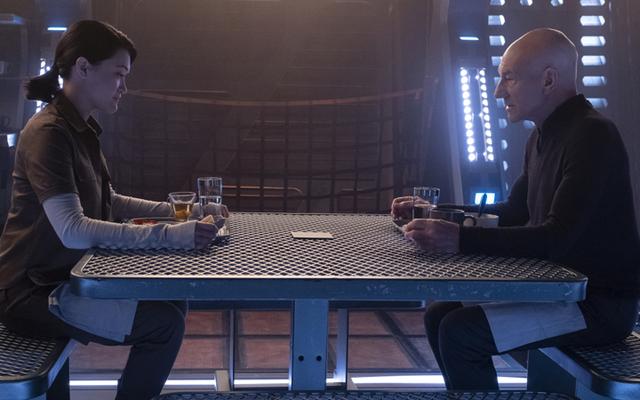 Star Trek: Picard Meletakkan Semua Kartunya di Atas Meja, lalu Membalikkannya