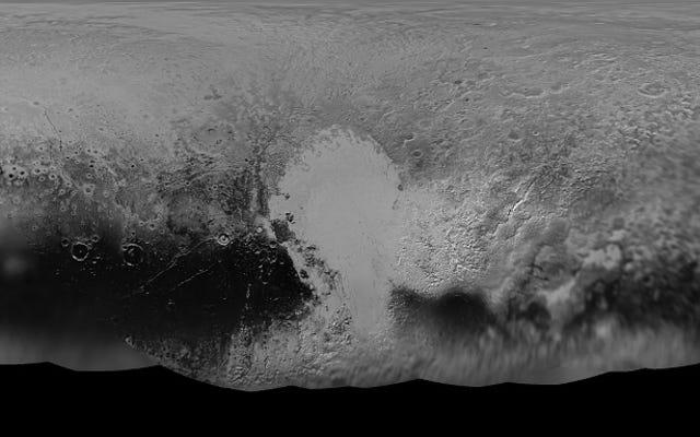 冥王星の凍った風景のこの見事な地図は、これまでで最も完全です