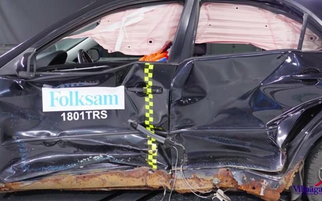 कैसे एक जंग लगी कार एक क्रैश टेस्ट में एक नई तुलना करती है