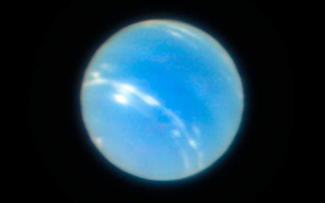 海王星の新しい超鮮明な画像は、私たちの望遠鏡がどこまで進んだかを示しています