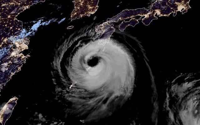 พายุไต้ฝุ่นที่มุ่งหน้าสู่เกาหลีใต้มีดวงตาที่ใหญ่โตอย่างประหลาด