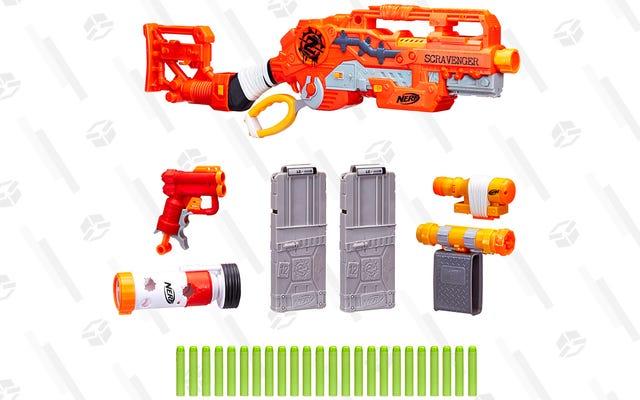 Этот пистолет NERF за 25 долларов идет с достаточным количеством аксессуаров, чтобы заполнить рюкзак