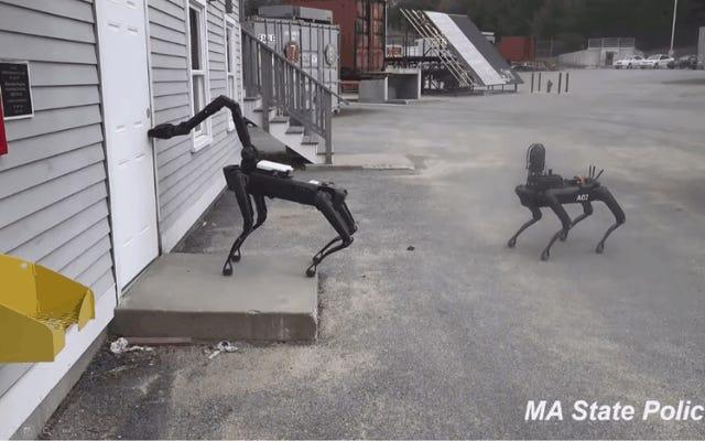 実世界でボストンダイナミクスの「スポット」ロボットをすでに使用している米国の警察