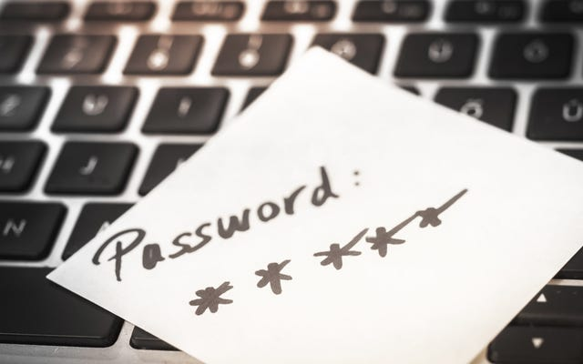 Come posso accedere alle mie password di lavoro dai miei dispositivi domestici?