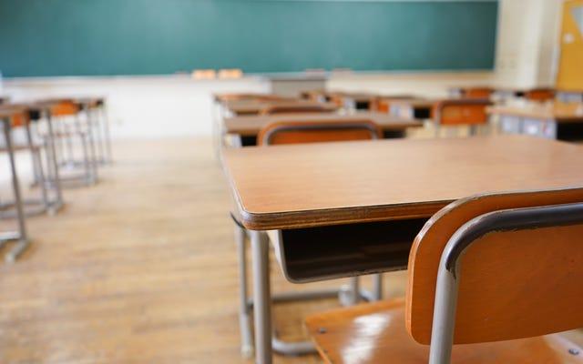 Los padres demandan al distrito escolar de Mississippi después de que un maestro blanco supuestamente hace un comentario sobre colgar a un niño negro