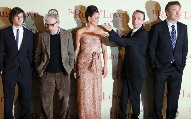 Alec Baldwin affirme que Dylan Farrow essaie de `` faire honte '' au public en croyant que Woody Allen l'a maltraitée