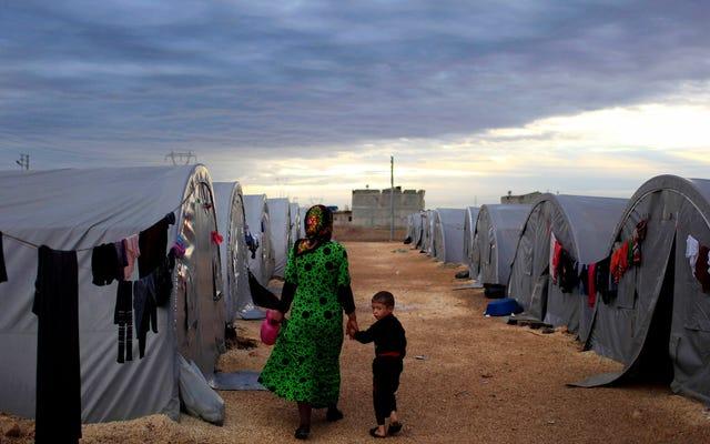 ट्रम्प प्रशासन शरणार्थियों को स्वीकार करने के आर्थिक लाभों पर अपने स्वयं के अनुसंधान को अस्वीकार करता है