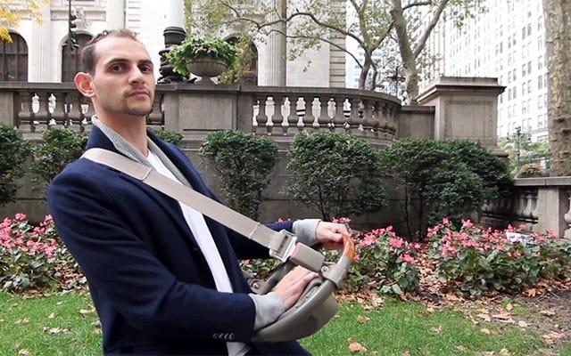 私はこの男の華麗な歩行者用車のクラクションの発明にわいせつな金額を支払うつもりです