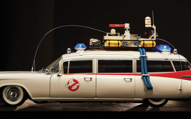 Mira esta réplica del Ecto-1 de los Cazafantasmas de $ 1,400