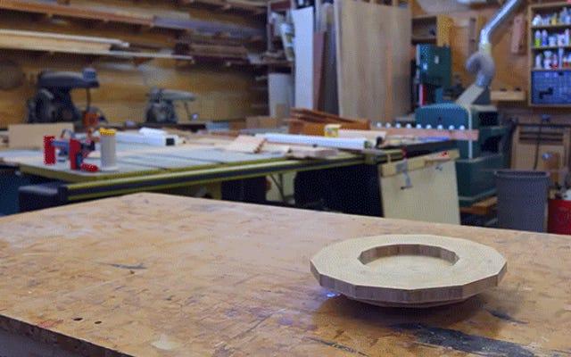 手作りの竹のデススターは本物よりもよく見える
