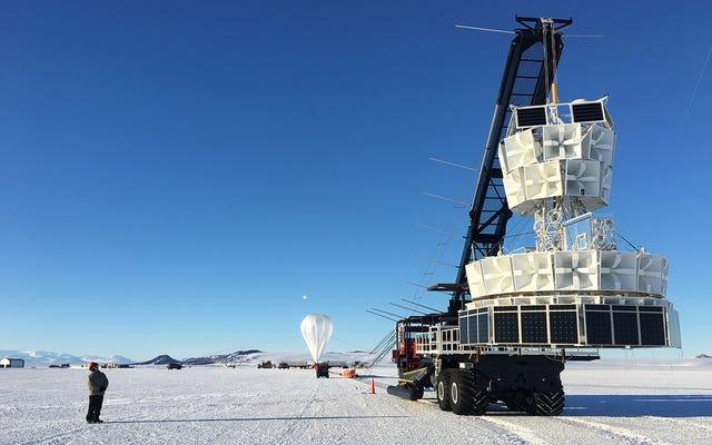 Nam Cực đang phát ra bức xạ vũ trụ và điều đó có thể thay đổi vĩnh viễn nền vật lý mà chúng ta biết
