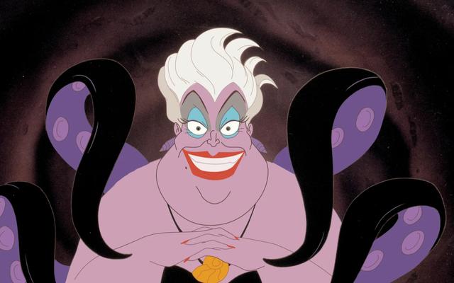 Queen Latifah đã mang lại vẻ ngoài, khuôn mặt xinh đẹp và ngôn ngữ ngốc nghếch cho The Little Mermaid Live!