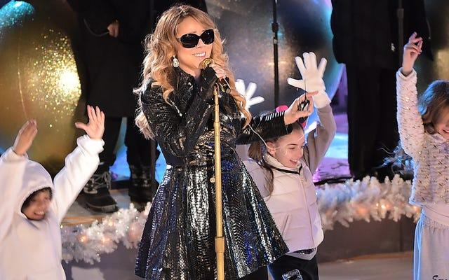 Mariah Carey ให้ของขวัญแก่ชายฝั่งตะวันออกทัวร์คริสต์มาสครั้งใหม่ส่วนที่เหลือของประเทศเพื่อรับถ่านหิน