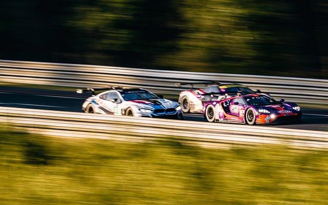 Naciesz oczy surowym pięknem, jakim jest 24-godzinny wyścig Le Mans