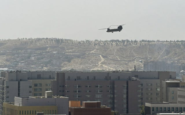 Il ritiro dall'Afghanistan pone fine alla più lunga farsa mediatica nella storia degli Stati Uniti