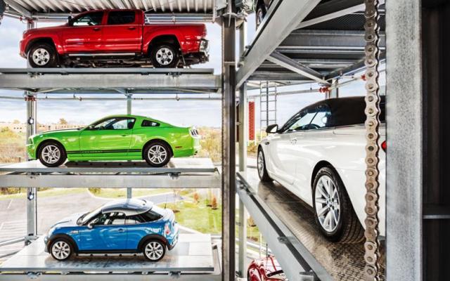 最新の中古車セールスマンギミックはばかげた超大型自動販売機です