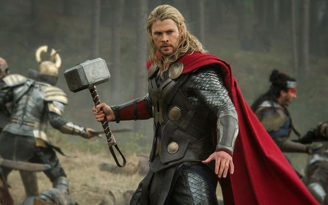 トールを演じる俳優は、ほぼ完全に異なるマーベルのスーパーヒーローでした:ガンビット