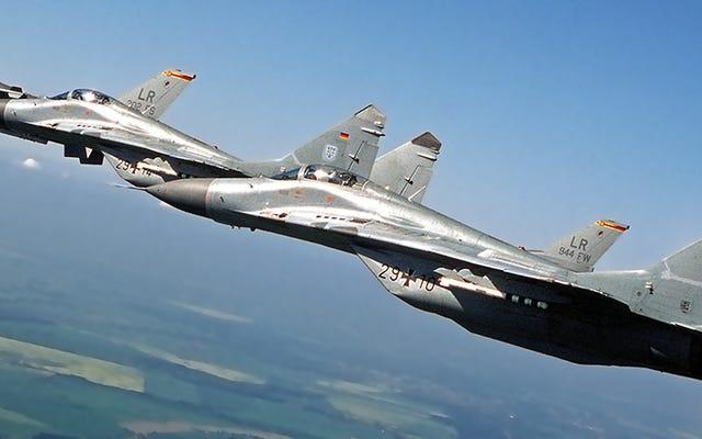 Come vincere in un combattimento aereo: storie di un pilota che ha pilotato F-16 e MiG