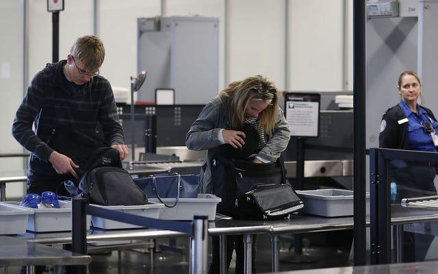 TSA скоро заставит вас распаковать еще больше ваших ручных сумок