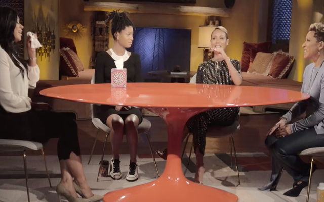 """R. Kelly Survivor Lisa Van Allen: """"C'est tellement bon d'être entendu"""""""