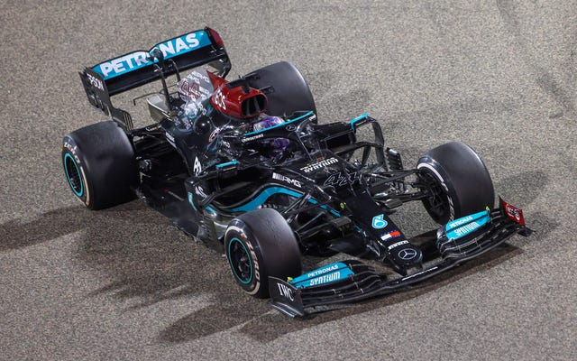 バーレーンF1グランプリでマックスフェルスタッペンからルイスハミルトンベアリーナブスの勝利