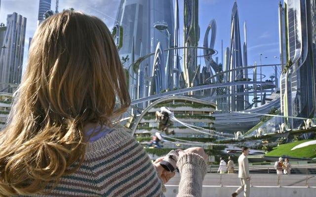 ディズニーのトゥモローランドは、過去に夢見た明るい未来を実現します
