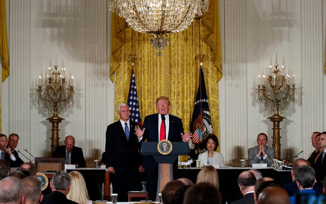 Trump promet de créer une force spatiale militaire
